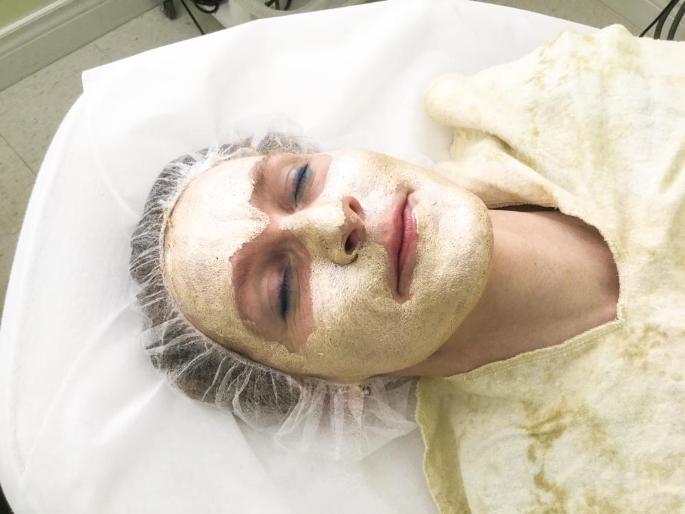 gold mask facial