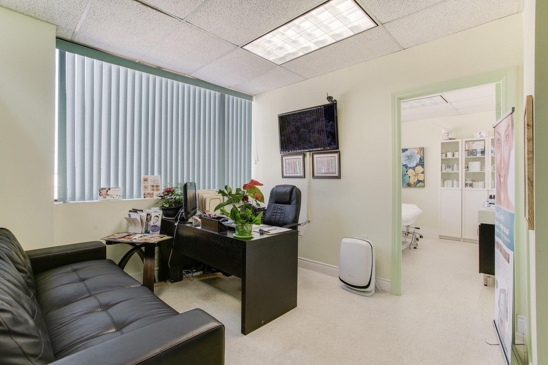 vs medspa laser clinic office room