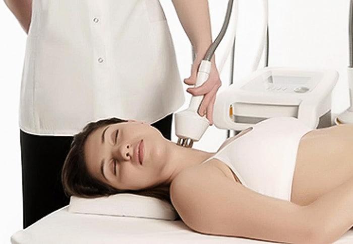skin-tightening-neck